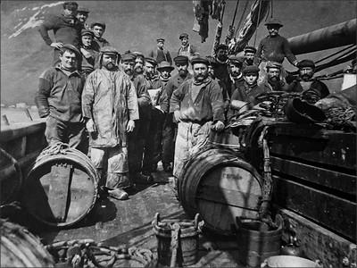 Image de l'équipage de la SURPRISE en 1919